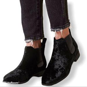 NEW Toms Black Velvet Ella Ankle Booties Size 7